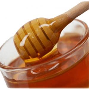 Пчелният мед има изключително широко приложение в кулинарията, козметичната и фармацевтичната индустрия.