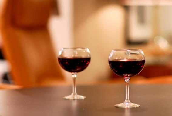 Почитателите на виното ще се съгласят, че изборът на винена чаша е неизменна част от винената култура.
