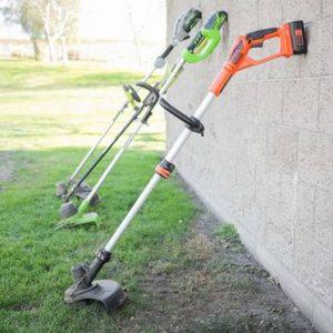 Градинарски инструменти - как да разкрасим двора си?